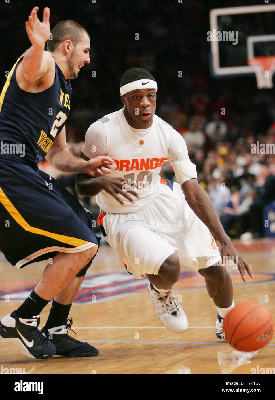 Syracuse S Jonny Flynn Drives Past Cam Thoroughman Of West