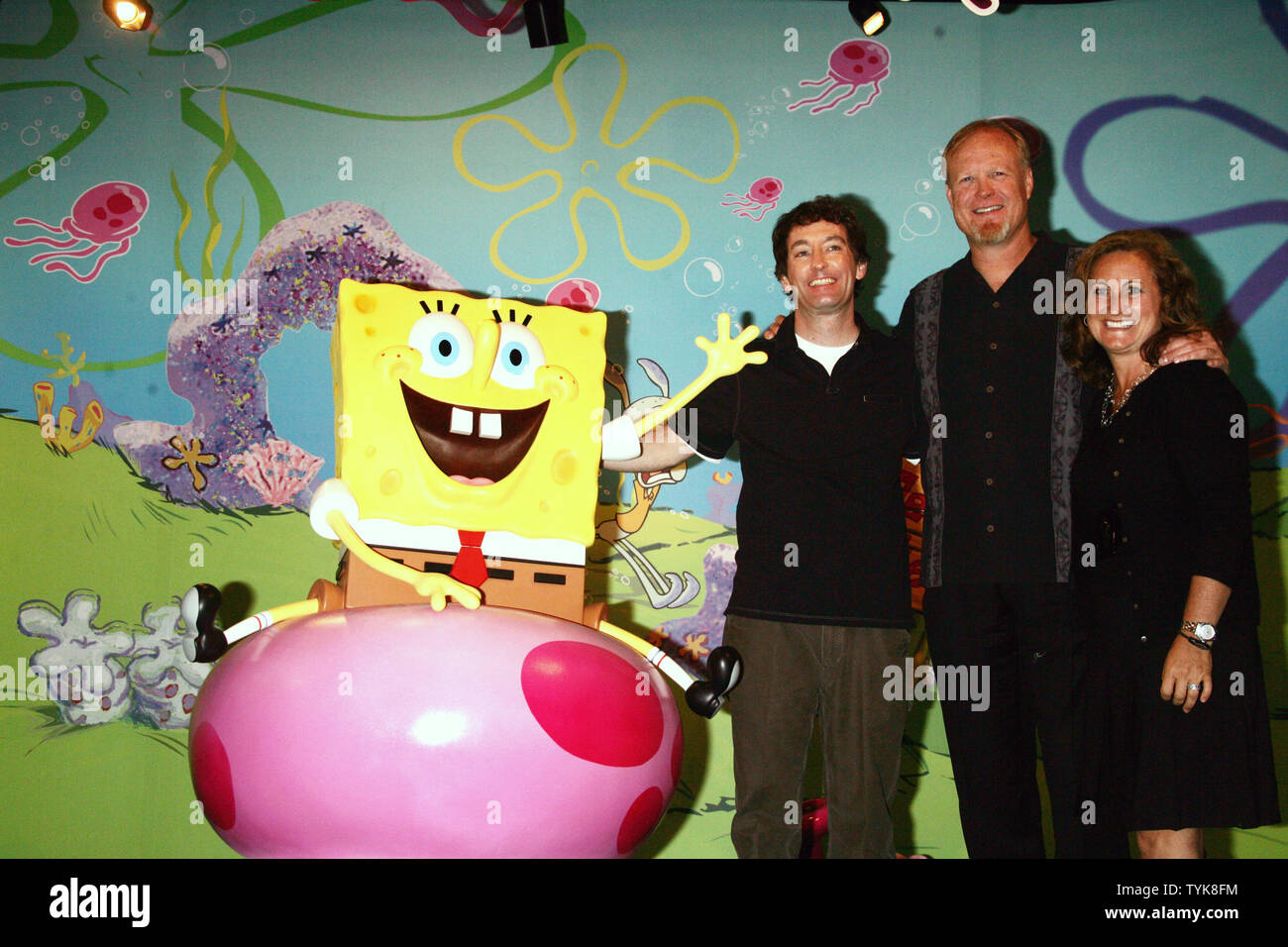 L-R) Tom Kenny (the voice of Spongebob), Bill Fagerbakke