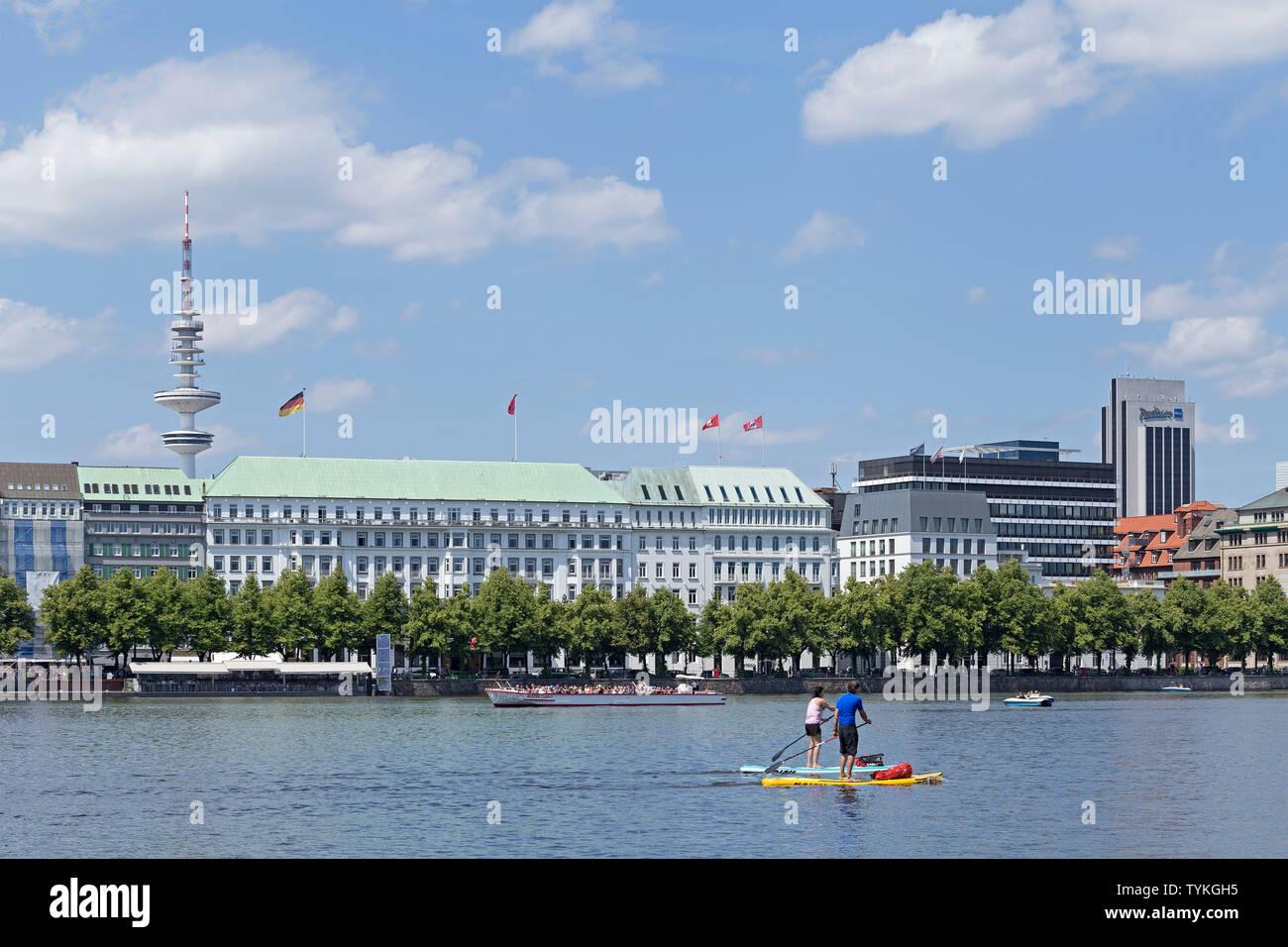 Neuer Jungfernstieg, Inner Alster, Hamburg, Germany - Stock Image
