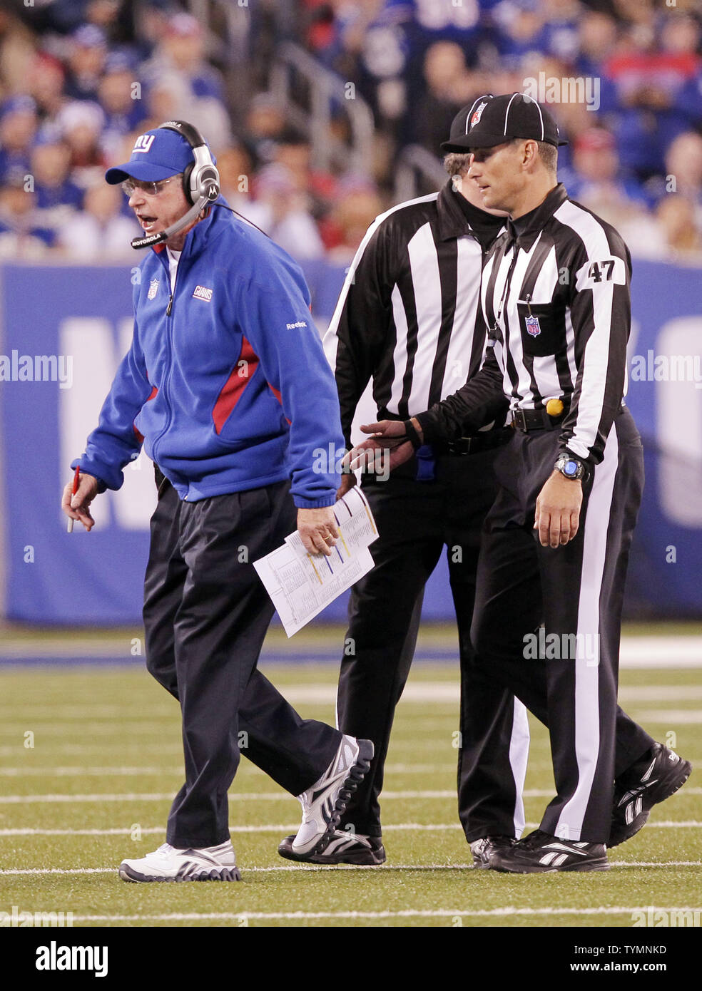 official photos b3286 3adb3 New York Giants Tom Coughlin reacts walking away from ...