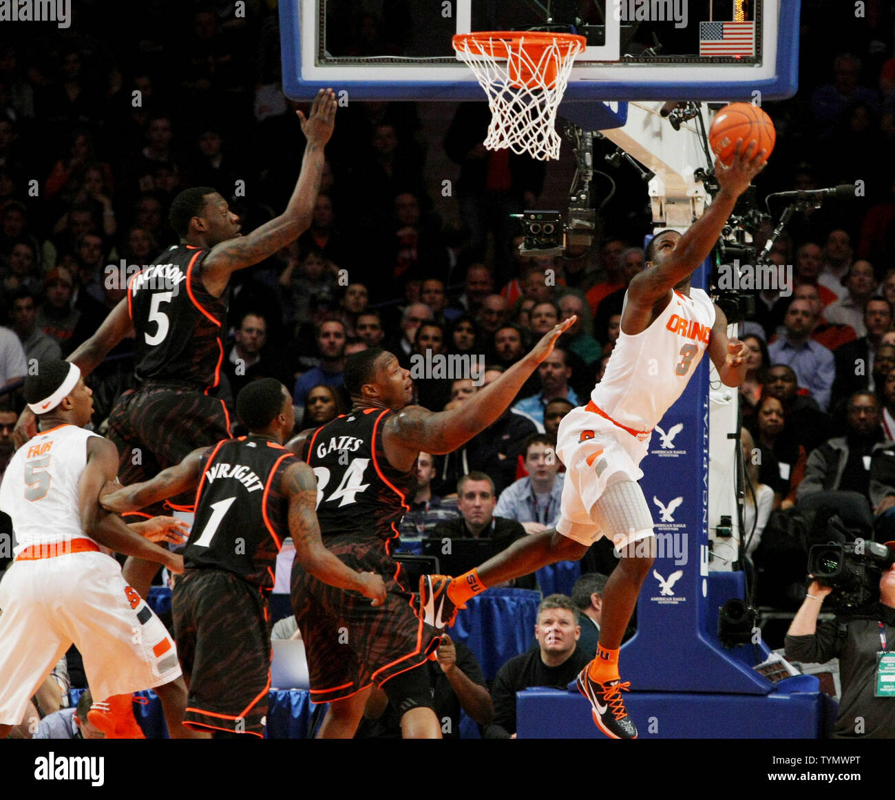 Syracuse S Dion Waiters Goes To Score As Justin Jackson 5
