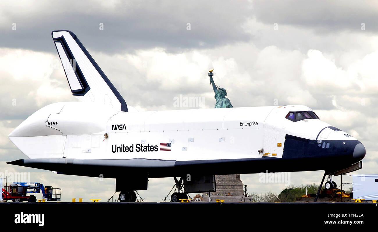 Space Shuttle Enterprise Statue Liberty Stock Photos & Space