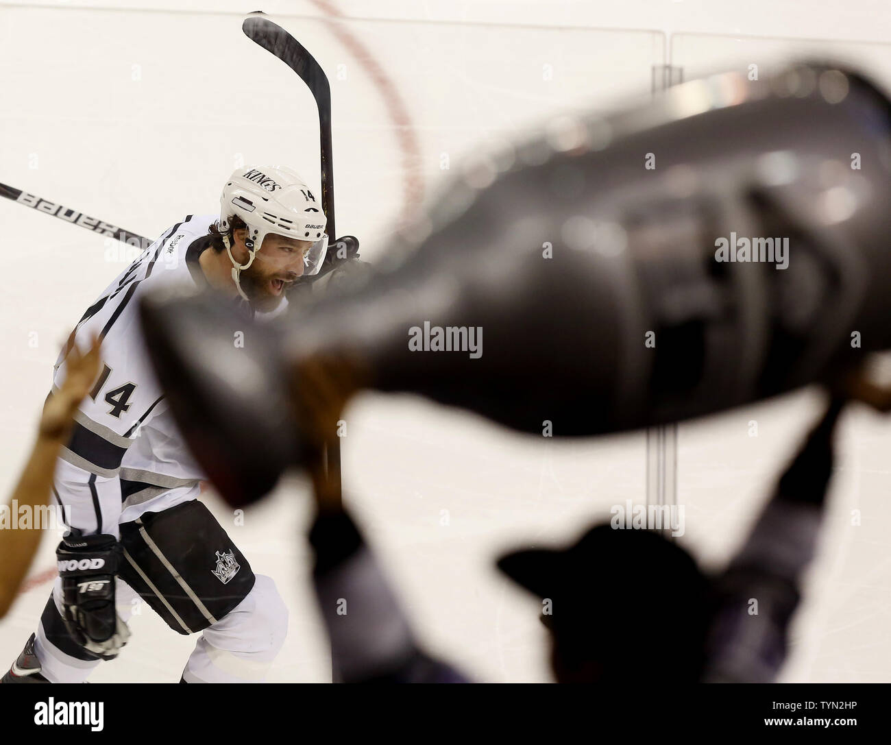 7788b2ae Los Angeles Kings Justin Williams reacts after scoring a goal in the second  period against the