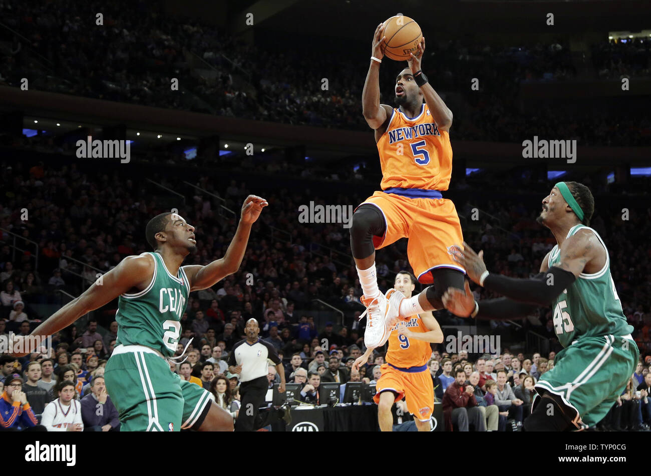 the latest 70bd5 312ff New York Knicks Tim Hardaway Jr. leaps to the basket in the ...