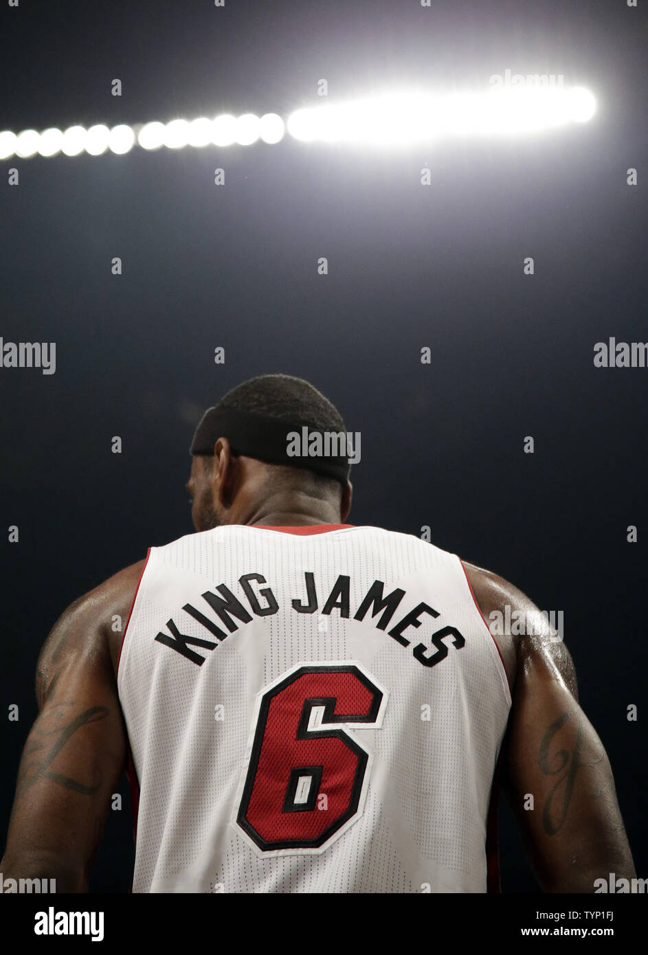 huge selection of 2bdd5 76649 Miami Heat LeBron James wears a jersey with his nick name ...