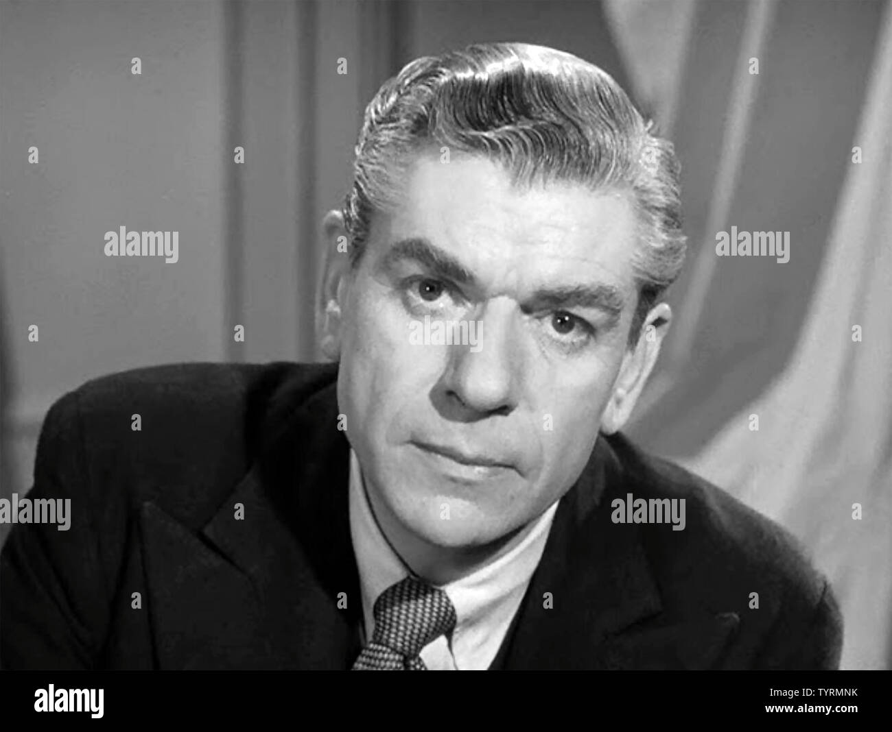 SEVEN DAYS TO NOON 1950 Brit9sh Lion film with Andre Morell Stock ...