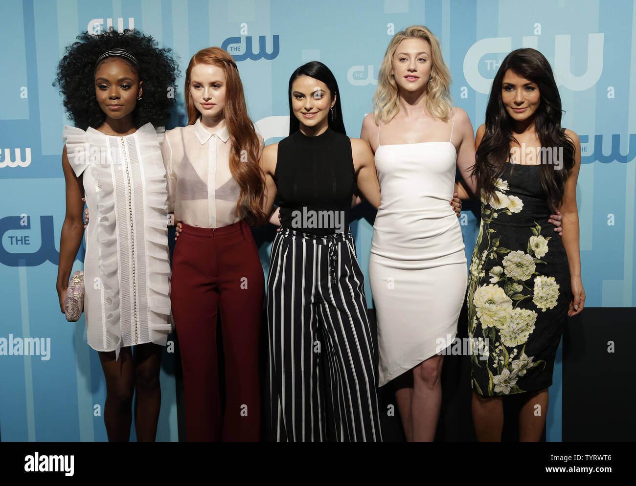 Camila Mendes Stock Photos Camila Mendes Stock Images Page 2 Alamy
