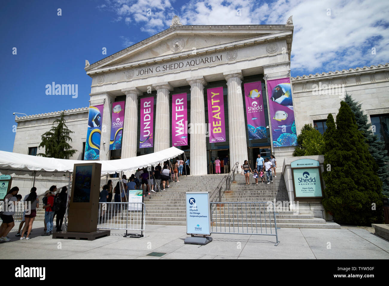 The John G. Shedd aquarium with queues outside Chicago IL USA - Stock Image