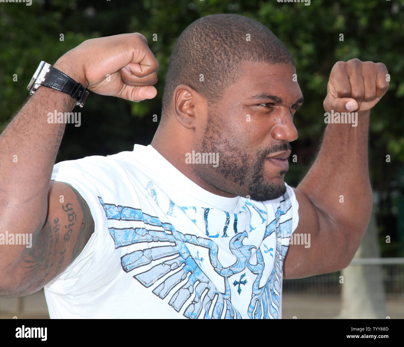 Quinton Rampage Jackson Arrives On The Champs De Mars In Front