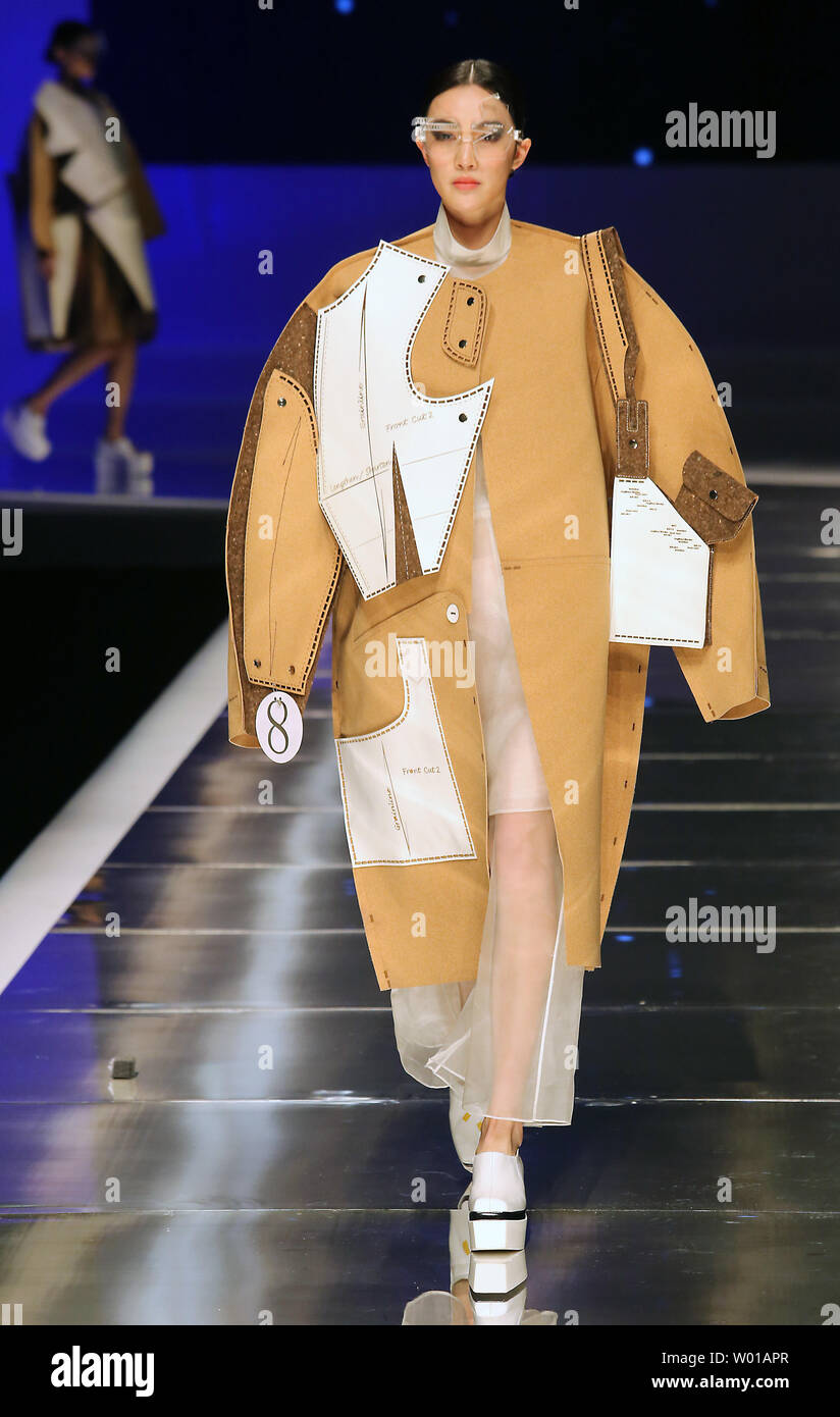 Chinese Models Showcase Fashion Designs During The Opening Ceremony Fashion Show China International Young Fashion Designers