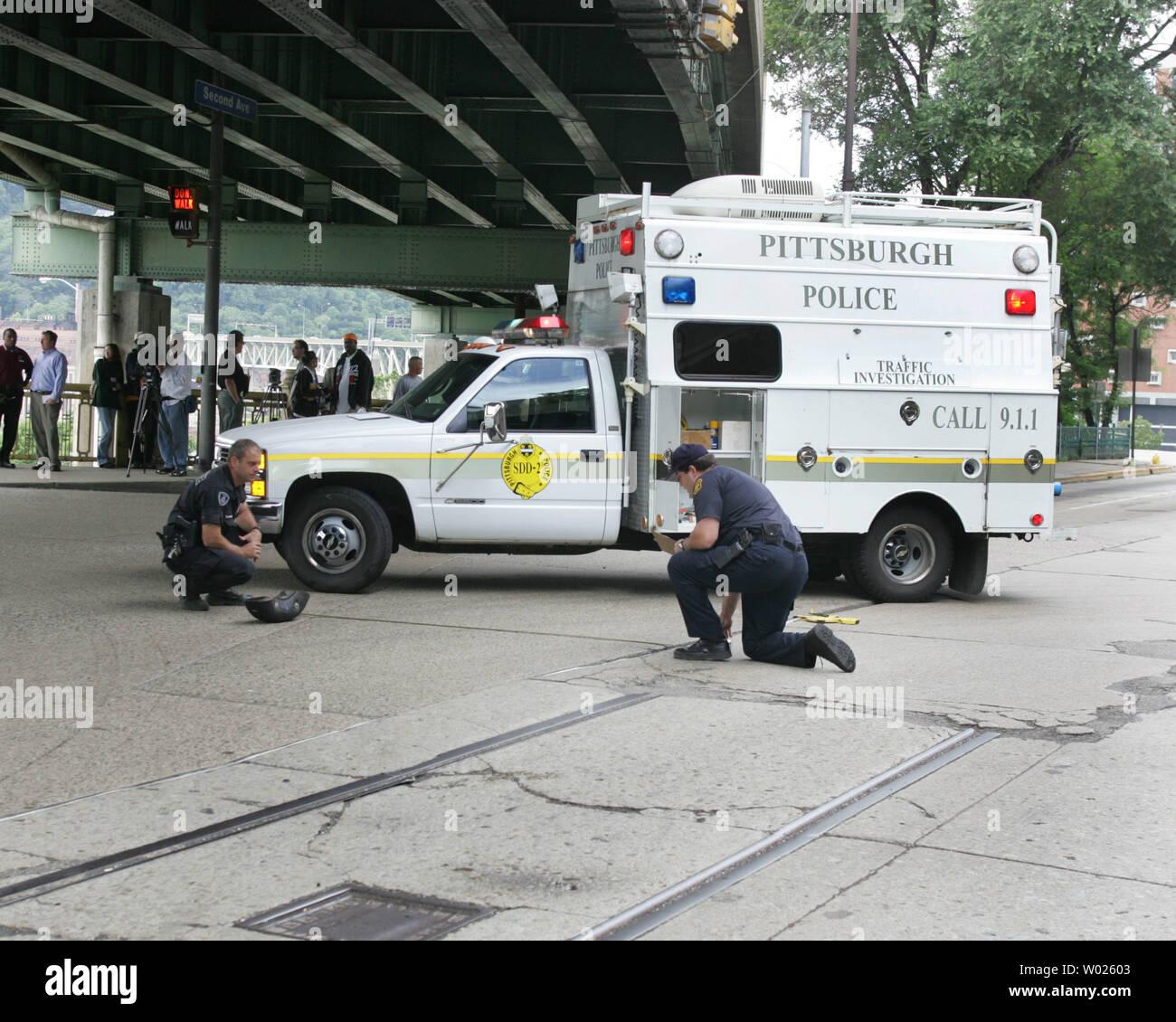 Pittsburgh police investigate the scene were Pittsburgh
