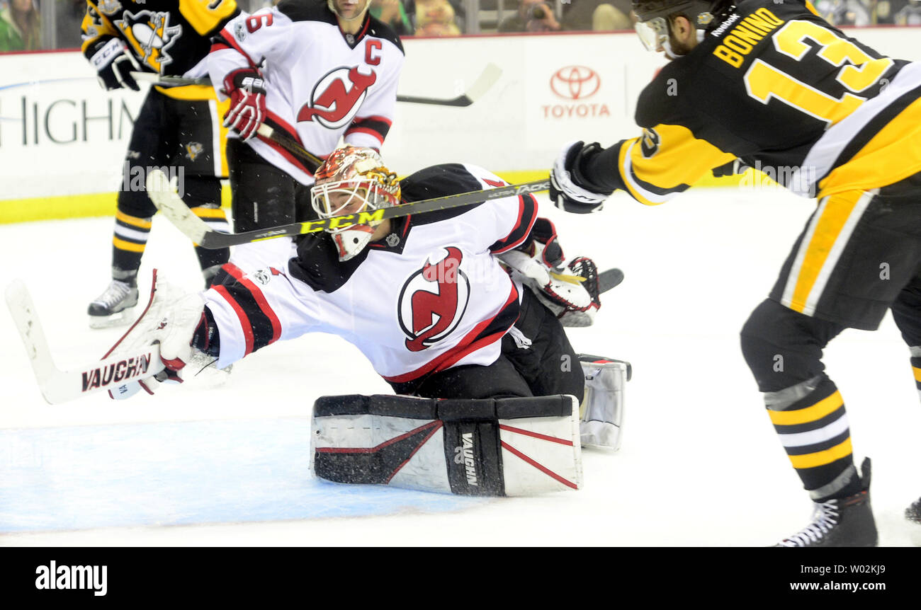 designer fashion 42398 3db18 Pittsburgh Penguins center Nick Bonino goal scores on New ...