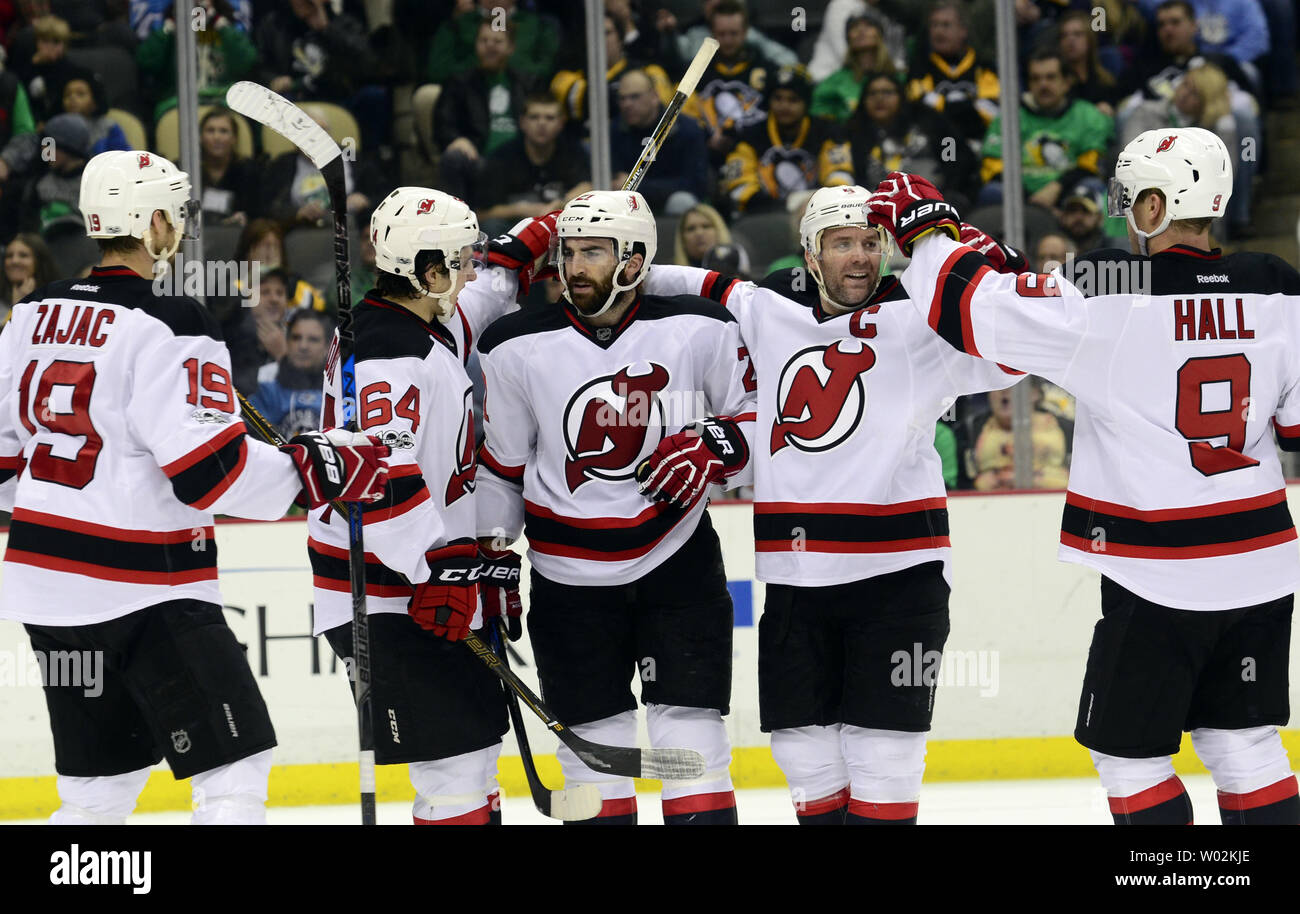 the latest a744b 87eca New Jersey Devils right wing Kyle Palmieri (21) (center ...
