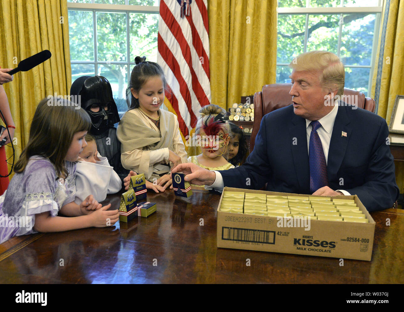 Don Titos Halloween October 27, 2020 President Donald Trump gives out candy with the presidential seal