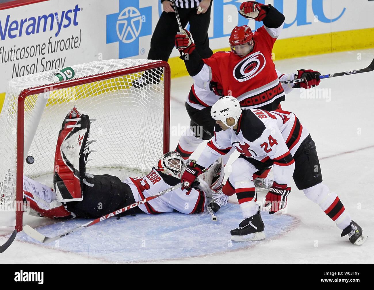 New Jersey Devils goalie Martin Brodeur misses the shot of