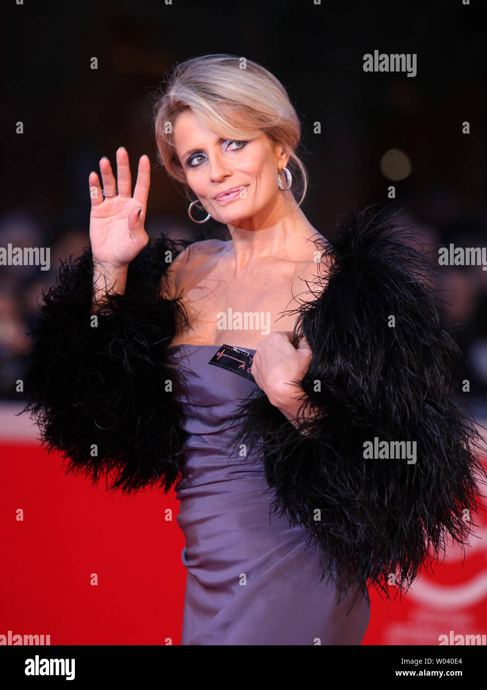 Isabelle Ferrari arrives on the red carpet before the screening of a digitally restored version of the 1960 classic film 'La Dolce Vita' during the 5th Rome International Film Festival in Rome on October 30, 2010.   UPI/David Silpa - Stock Image