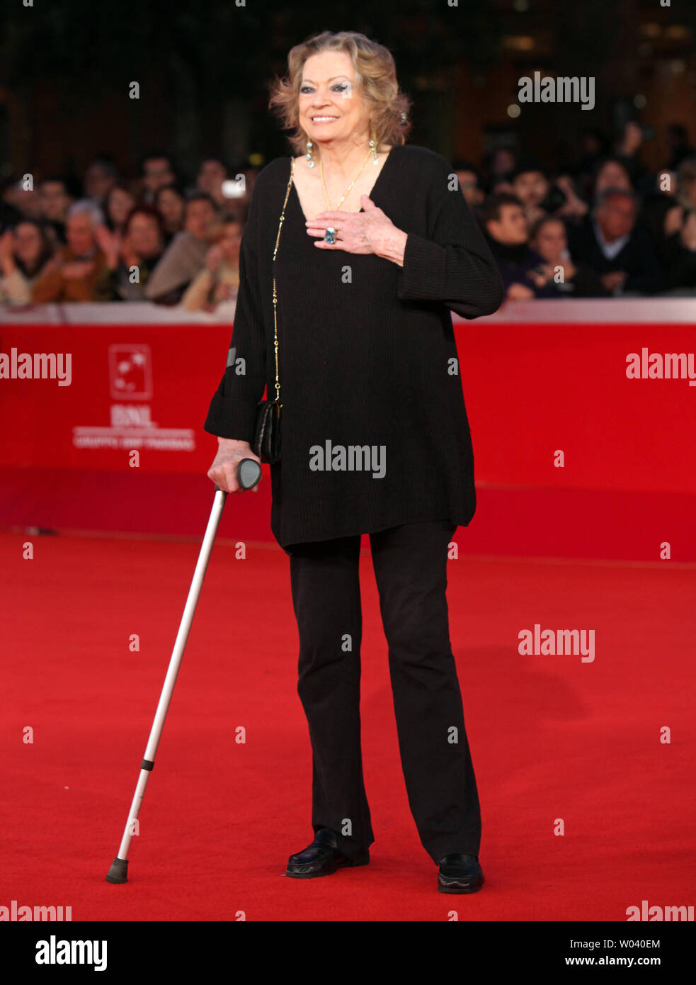 Anita Ekberg arrives on the red carpet before the screening of a digitally restored version of the 1960 classic film 'La Dolce Vita' during the 5th Rome International Film Festival in Rome on October 30, 2010.   Ekberg is best known for her role as Sylvia in the film, which features the legendary scene of her cavorting in Trevi Fountain.   UPI/David Silpa - Stock Image