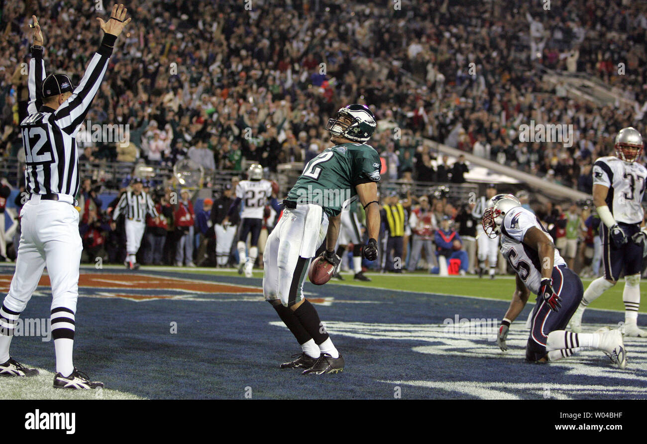 Tightend L.J. Smith of the Philadelphia Eagles celebrates a touchdown in the second quarter in Superbowl XXXIX in Jacksonville, Florida on February 6, 2005. (UPI Photo/Terry Schmitt) - Stock Image