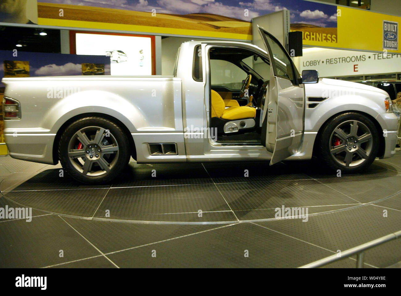 New Ford Lightning >> The New Ford Lightning Concept Truck At The 2004 San Diego