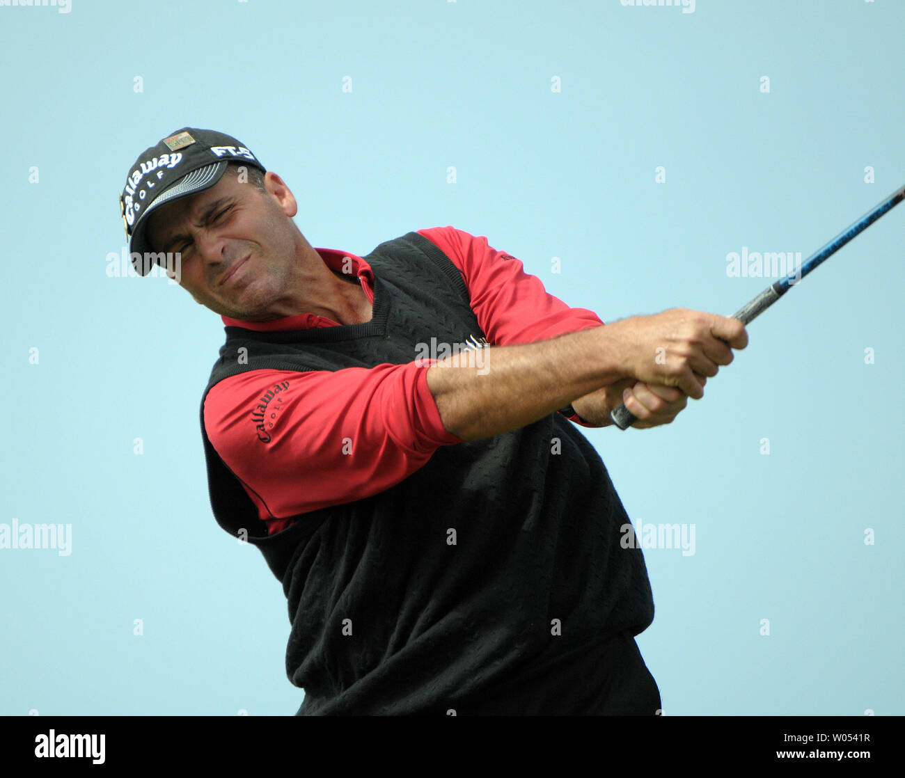 Rocco Mediate tees off of the 3rd hole during the playoff round at the US Open at Torrey Pines Golf Course in San Diego on June 16, 2008. Tiger Woods went on to beat Mediate to win the 108th US Open. (UPI Photo/Earl S. Cryer) Stock Photo