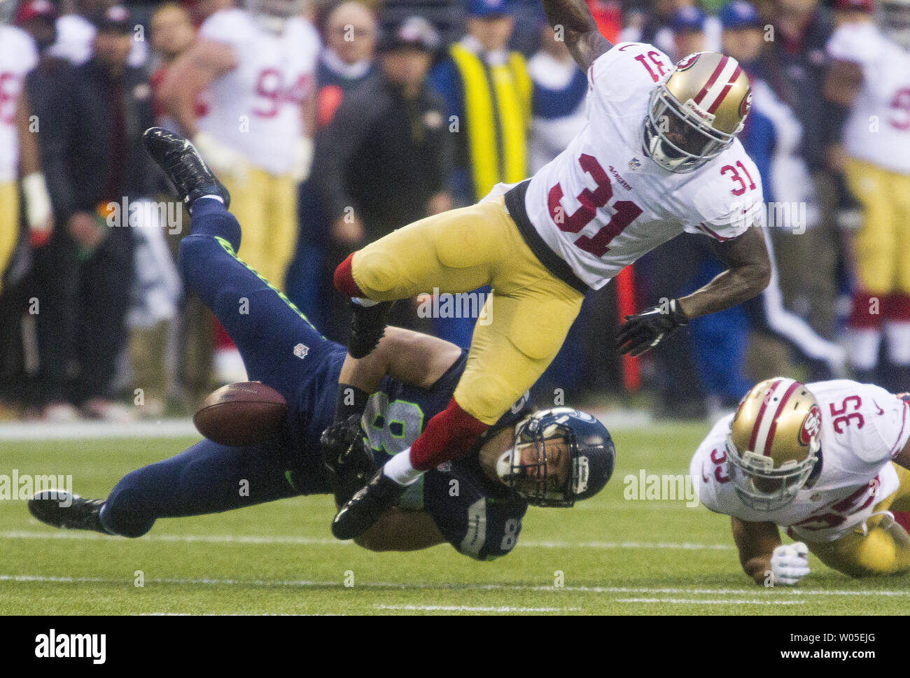 a1834957 Seattle Seahawks tight end Luke Wilson (82) looses the ball after ...