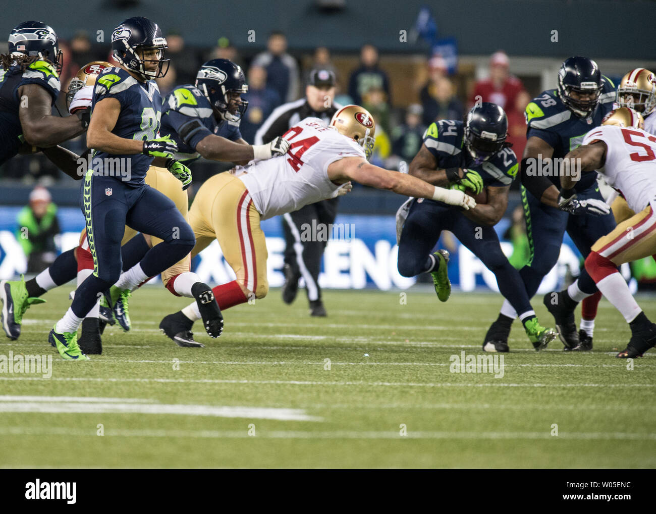6ccb1171 Seattle Seahawks running back, Marshawn Lynch (24) rushes downfield ...