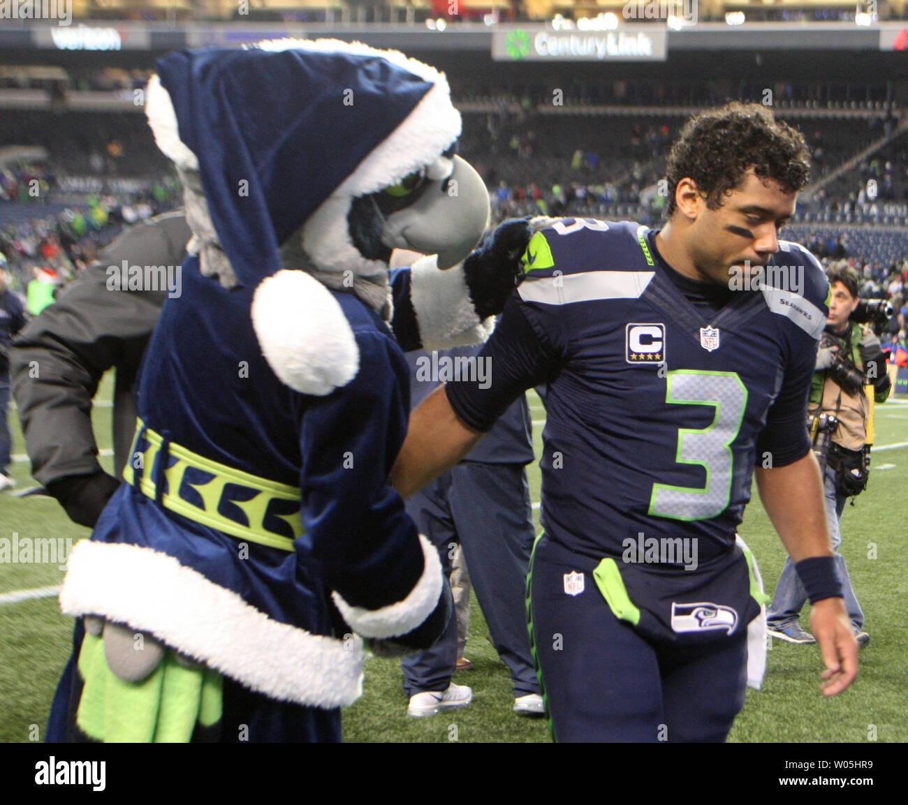 separation shoes 5bcf4 b7889 Seattle Seahawks mascot, Blitz, console Seattle Seahawks ...