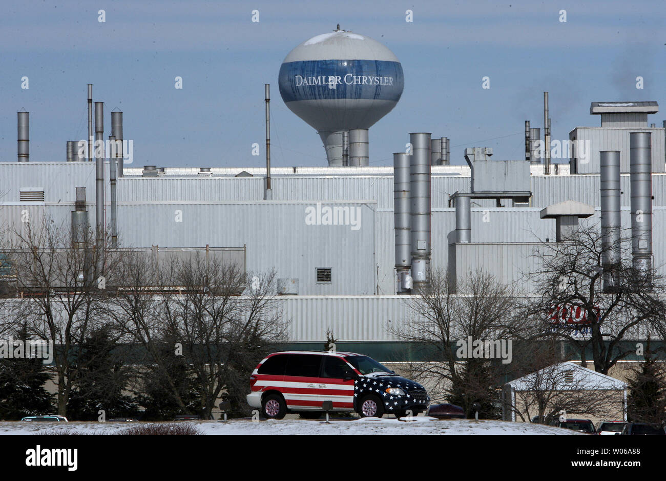 A Town and Country mini van sits near the Chrysler Group's South plant where it was assembled in Fenton, Missouri on February 14, 2007. Daimler-Chrysler announced a restructuring plan that will result in 1300 employees losing their job at the assembly plant. The South plant, where the Dodge Caravan and the Grand Caravan, and Chrysler Town & Country minivans are assembled, will lose the second shift. (UPI Photo/Bill Greenblatt) Stock Photo