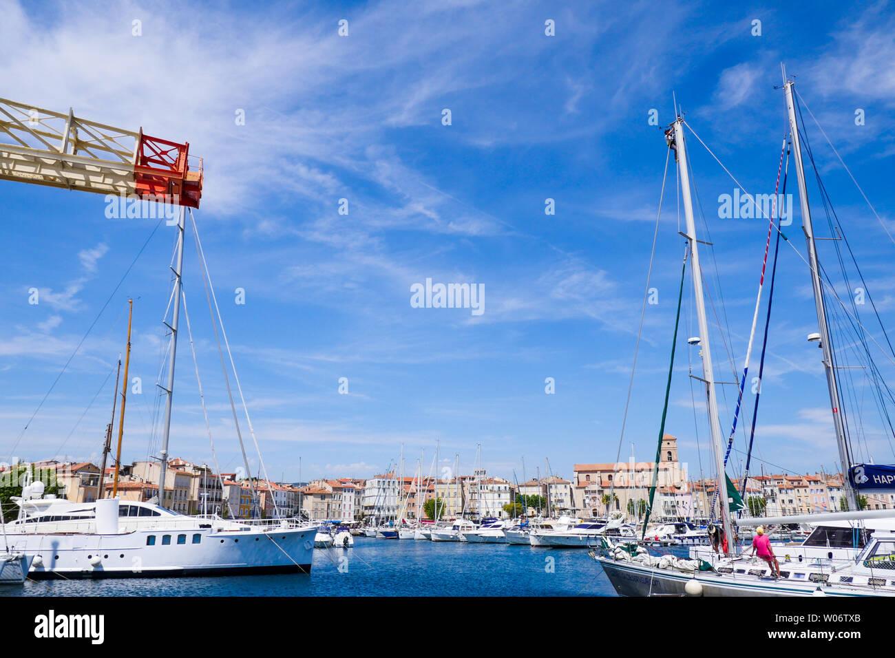 Historical Titan 5/20 T portuary crane, Port-Vieux, La Ciotat, Bouches-du-Rhône, France - Stock Image