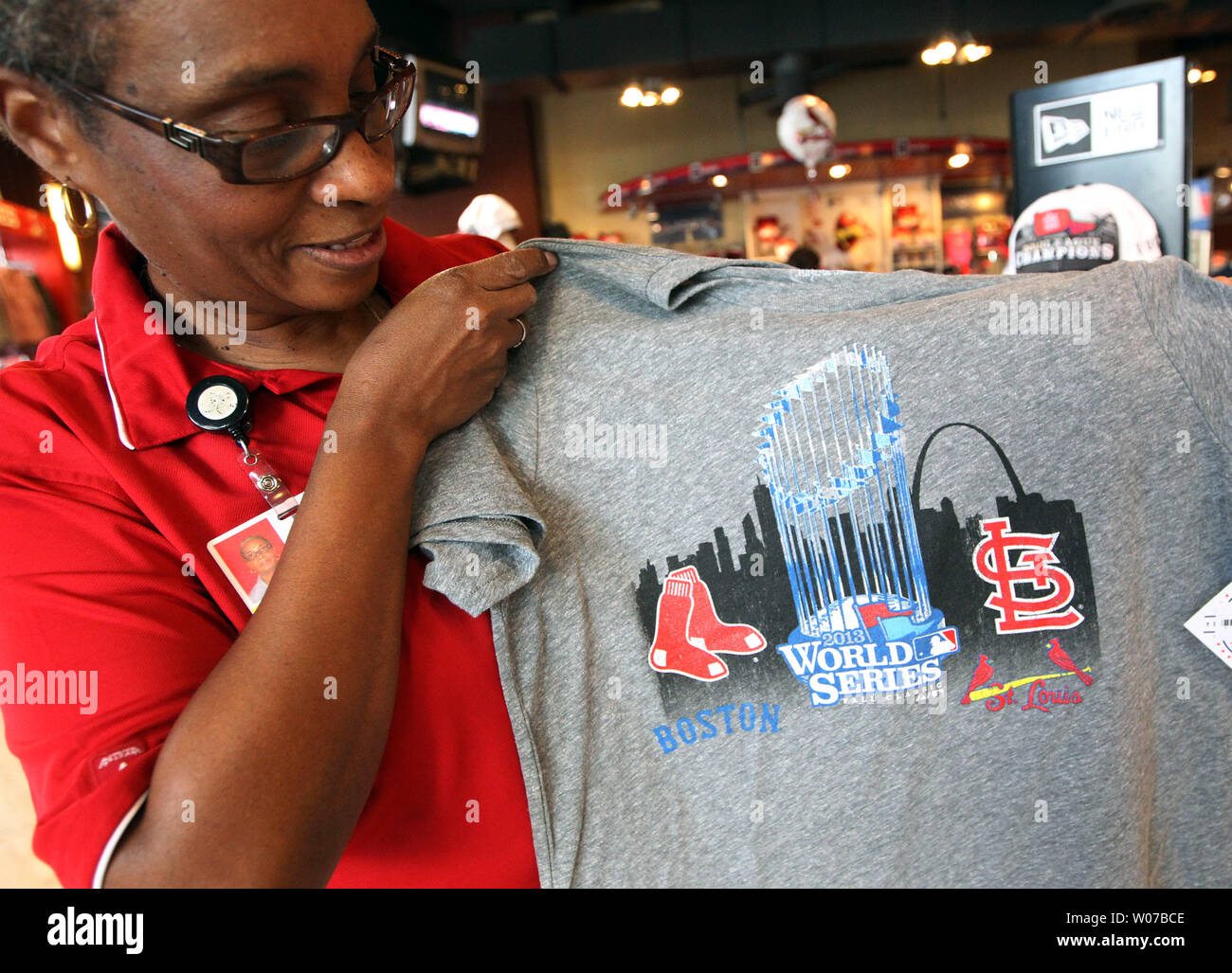 low priced 45cfa 3579a St. Louis Cardinals team store manager Marceline Brooks ...