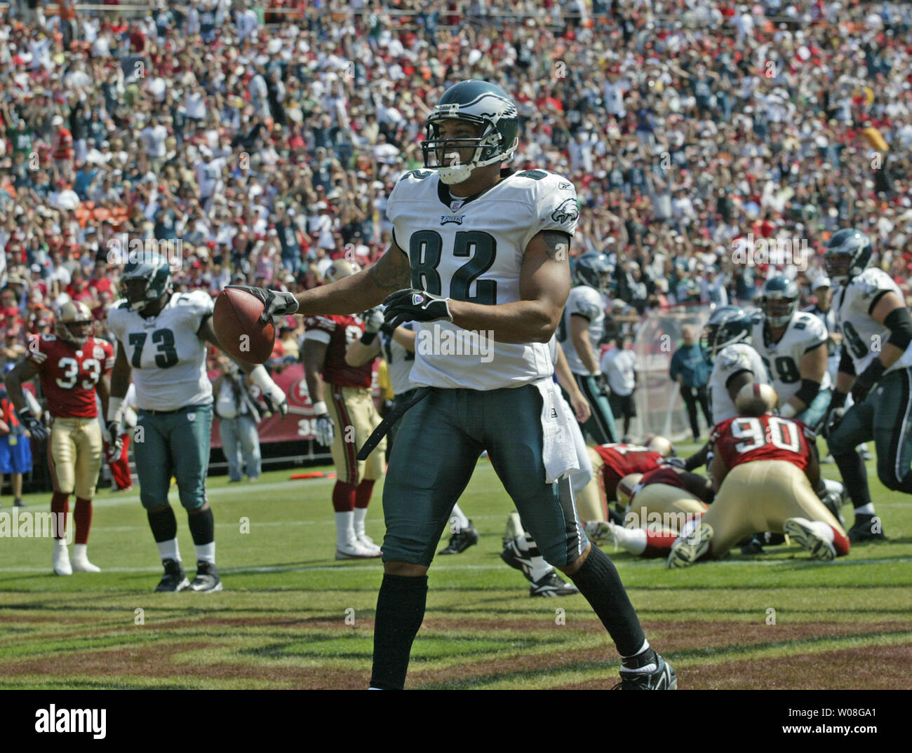 Philadelphia Eagles L.J. Smith (82) celebrates in the endzone  with a Donovan McNabb pass for a TD in the first quarter against the San Francisco 49ers at Monster Park in San Francisco on September 24,  2006.  The Eagles defeated the 49ers 38-24. (UPI Photo/Bruce Gordon) - Stock Image