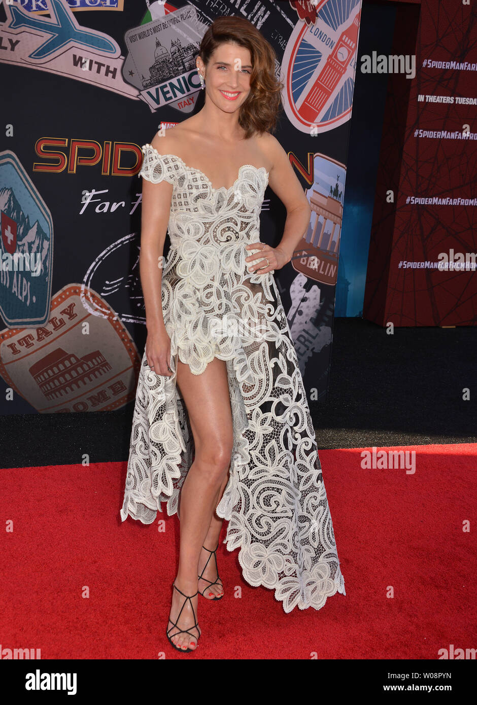 """Los Angeles, USA. 26th June, 2019. Cobie Smulders arrives for the premiere of Sony Pictures' """"Spider-Man Far From Home"""" held at TCL Chinese Theatre on June 26, 2019 in Hollywood, California Credit: Tsuni/USA/Alamy Live News Stock Photo"""