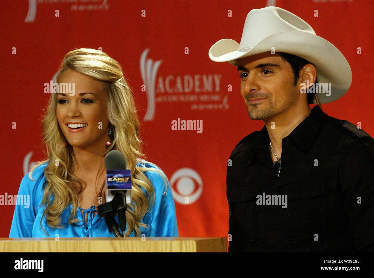Wie was Carrie Underwood dating in 2008