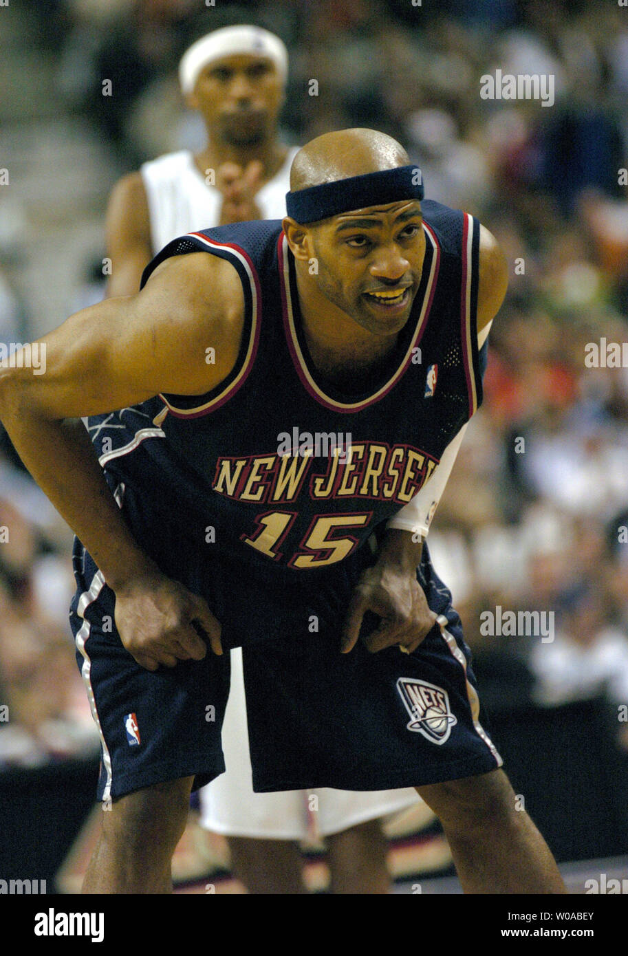 wholesale dealer 15959 b9c76 New Jersey Nets' Vince Carter hunkers down as Toronto ...