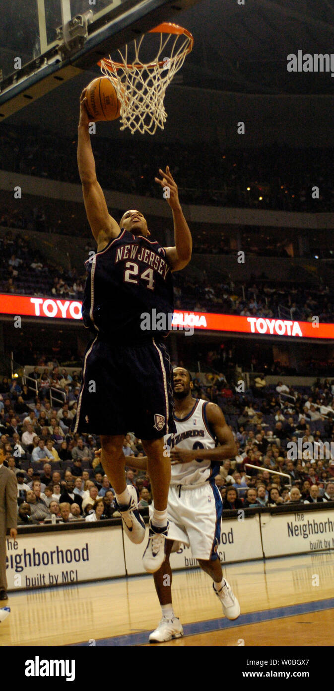 new arrival 985a6 a21f9 Richard Jefferson of the New Jersey Nets scores two of his ...