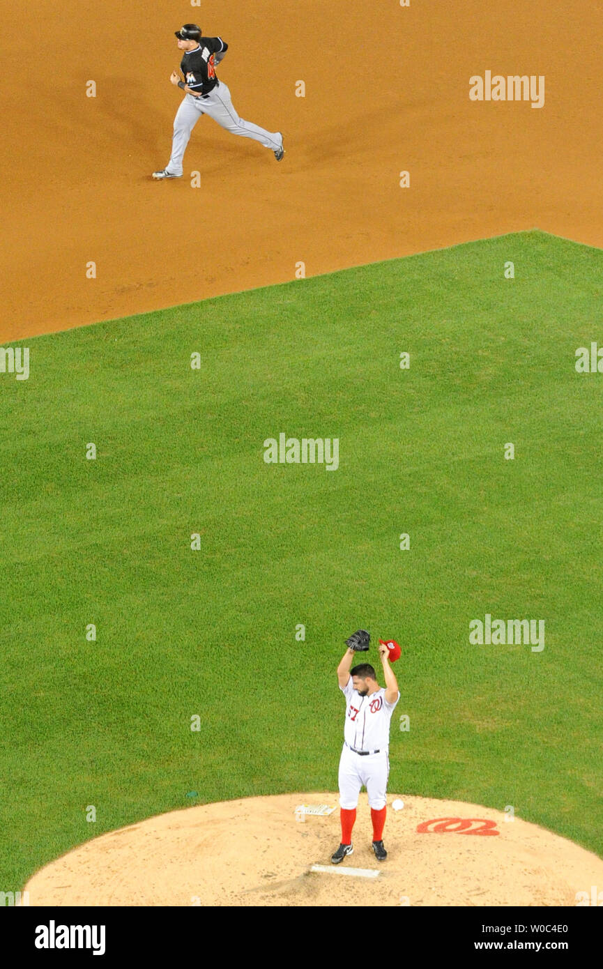 bc3fc2c2 Washington Nationals relief pitcher Tanner Roark (57) stands on the mound  after surrendering a