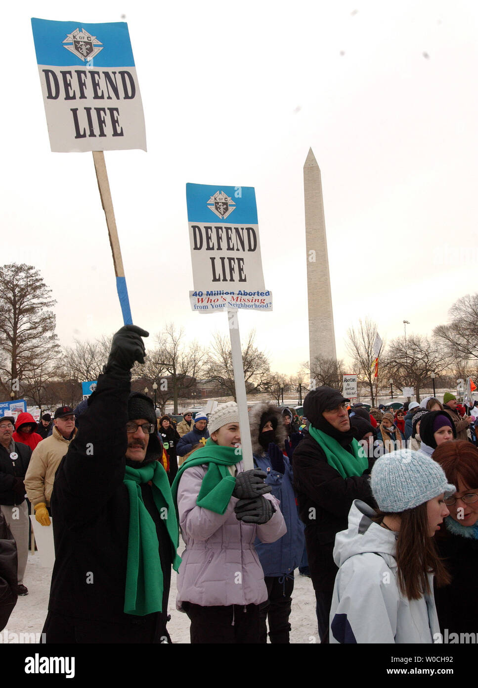 More than 100,000 anti-abortion demonstrators gather on the Eillipse, near the White House in Washington, on Jan. 24, 2005. This is the 32nd annual march held in conjunction with the Jan. 22 anniversary of the Supreme Court decision Roe vs. Wade which legalized abortions across the U.S.   (UPI Photo/Roger L. Wollenberg) Stock Photo
