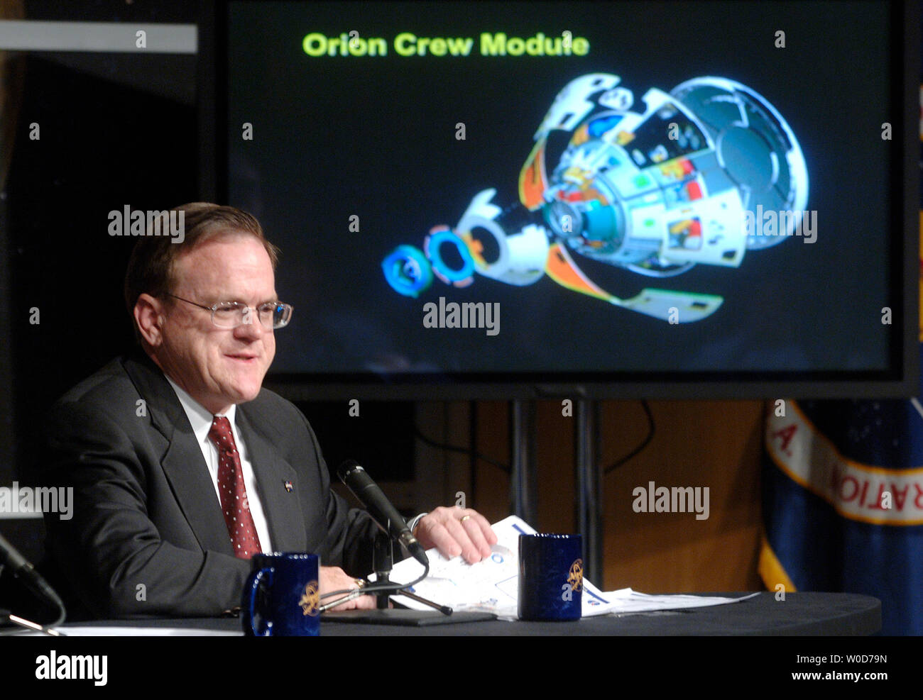 Orion Project Manager Skip Hatfield speaks at a  press conference anouncing that Lockheed Martin Corp was selected as the prime contractor for the design, development and construction of the Orion spacecraft, at NASA headquarters in Washington on August 31, 2006. The Orion will be the next generation of human spacecraft which  NASA hopes to have in orbit in 2012.  (UPI Photo/Kevin Dietsch) - Stock Image
