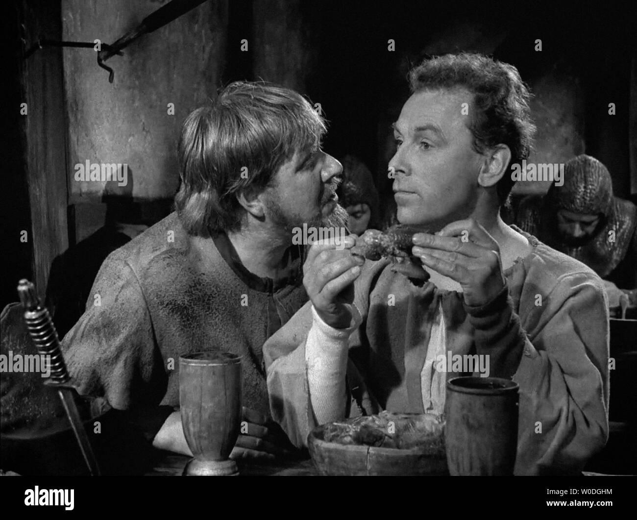 LE SEPTIEME SCEAU LE 7eme SCEAU DET SJUNDE INSEGLET 1957 de Ingmar Bergman Ake Fridell Nils Poppe. d'apres la piece de Ingmar Bergman based on the pla Stock Photo