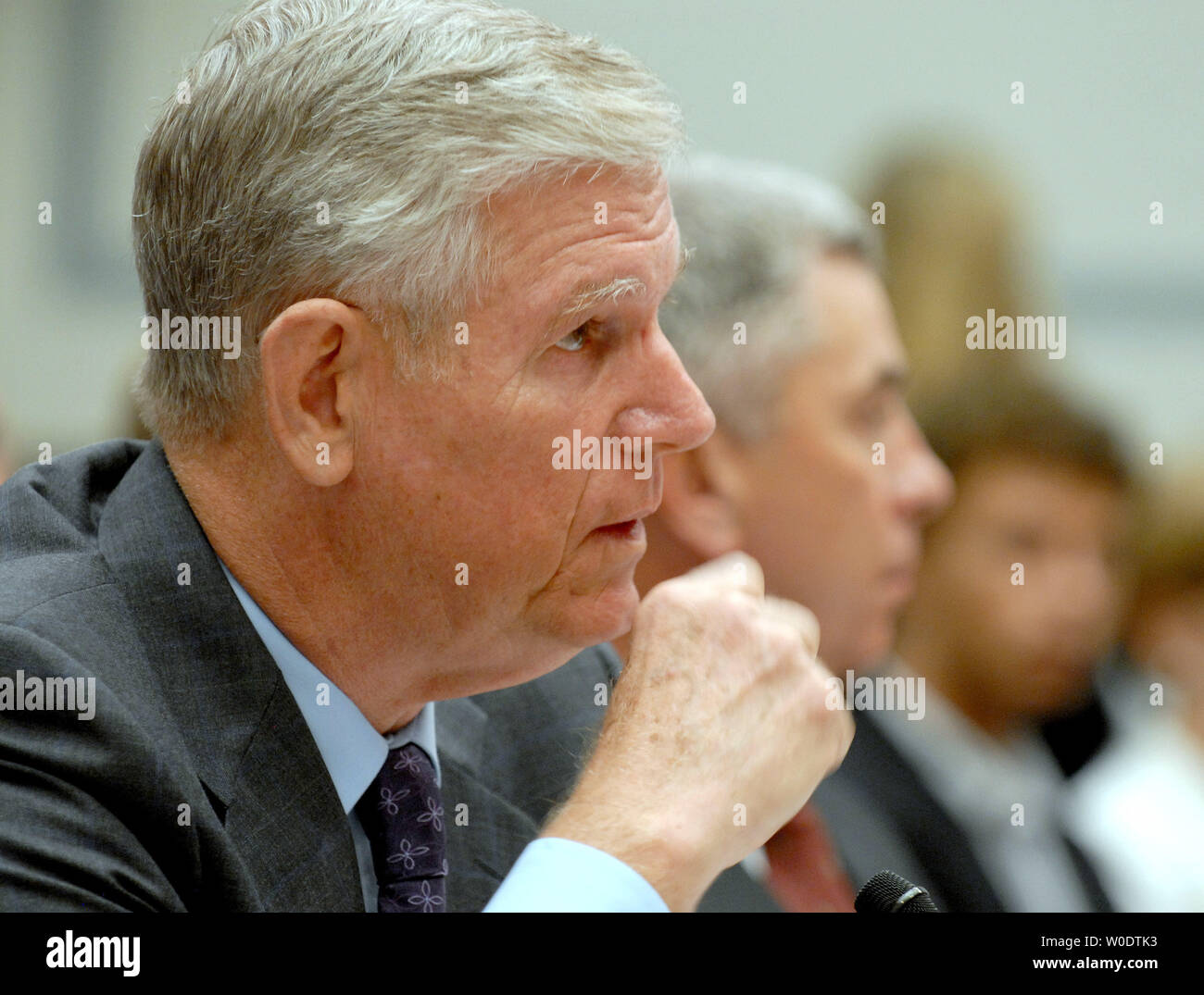 Former Chairman of the Joint Chiefs of Staff retired Gen. Richard Myers testifies before a House Oversight and Government Reform Committee hearing on 'The Tillman Fratricide: What the Leadership of the Defense Department Knew,' on Capitol Hill in Washington on August 1, 2007. Pat Tillman, a former NFL football player, was killed on April 22, 2004 in a 'friendly fire' incident while serving in the 2nd Army Ranger Battalion in Afghanistan.   (UPI Photo/Roger L. Wollenberg) - Stock Image
