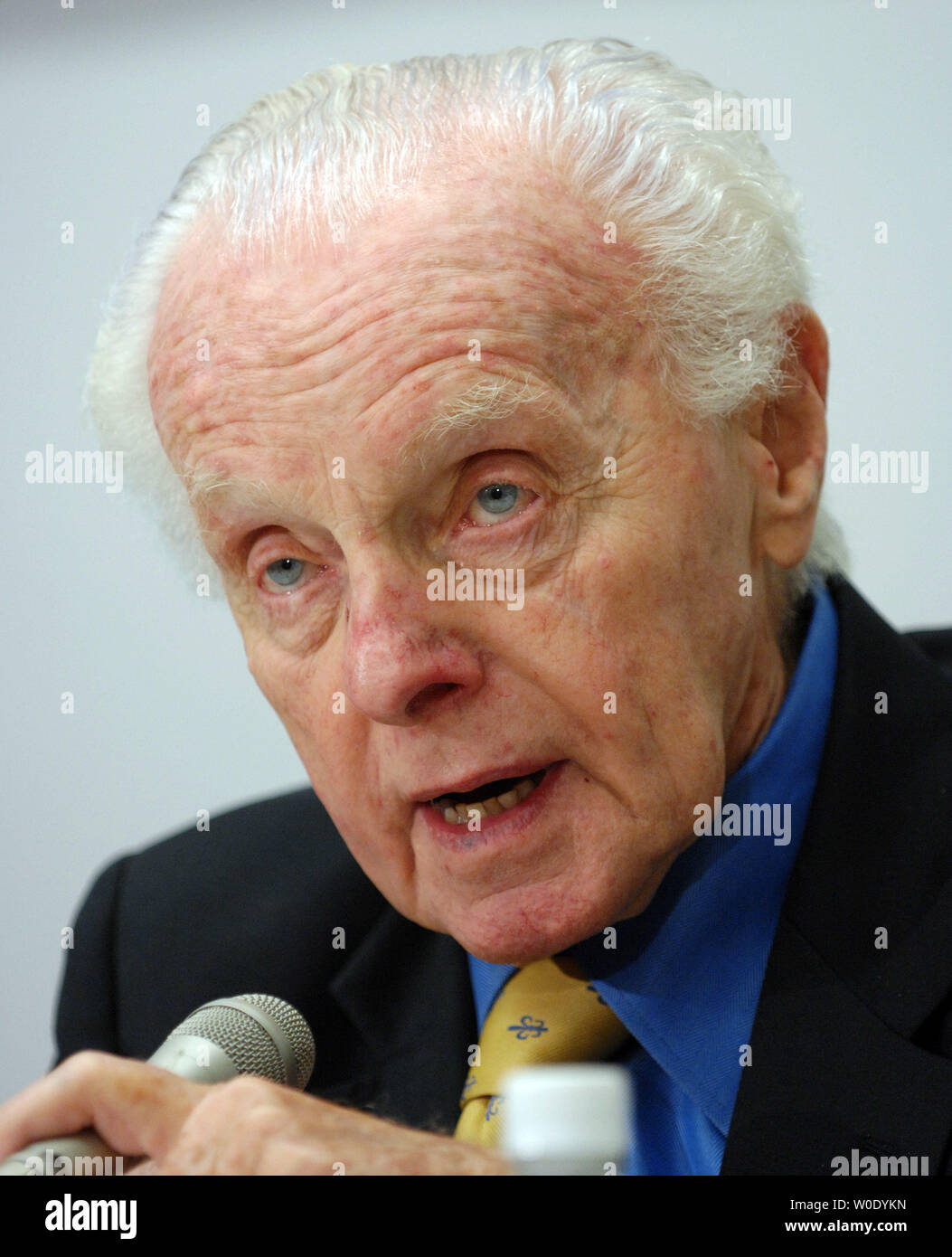 Rep. Tom Lantos, D-CA, speaks during a conference about politics in Russia on October 10, 2007, on Capitol Hill in Washington. One year after Anna Politkovskaya's murder, a Russian journalist and human rights activist known for her opposition to the Chechen conflict and Russian President Putin, opposition leader Garry Kasparov says democracy in Russia is going backwards.    (UPI Photo/Roger L. Wollenberg) - Stock Image