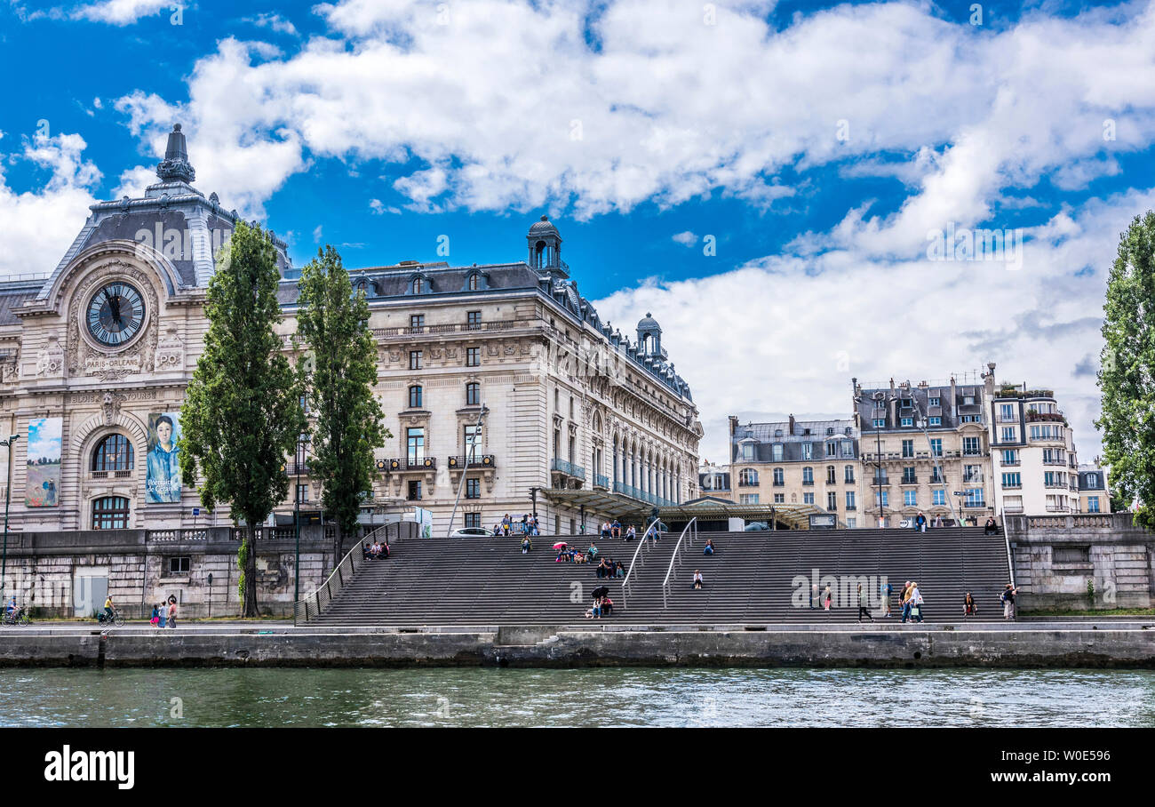 France, 7th arrondissement of Paris, quai Anatole France, wooden stairs between the musee d'Orsay and the Seine river Stock Photo