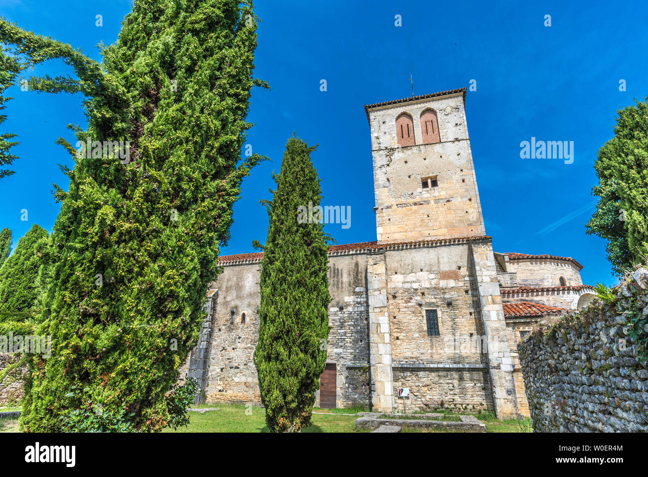 France, Piedmont of the Pyrenees, Haute-Garonne, church St Just de Valcabrère (11th-12th century) Saint James way (UNESCO World Heritage) - Stock Image