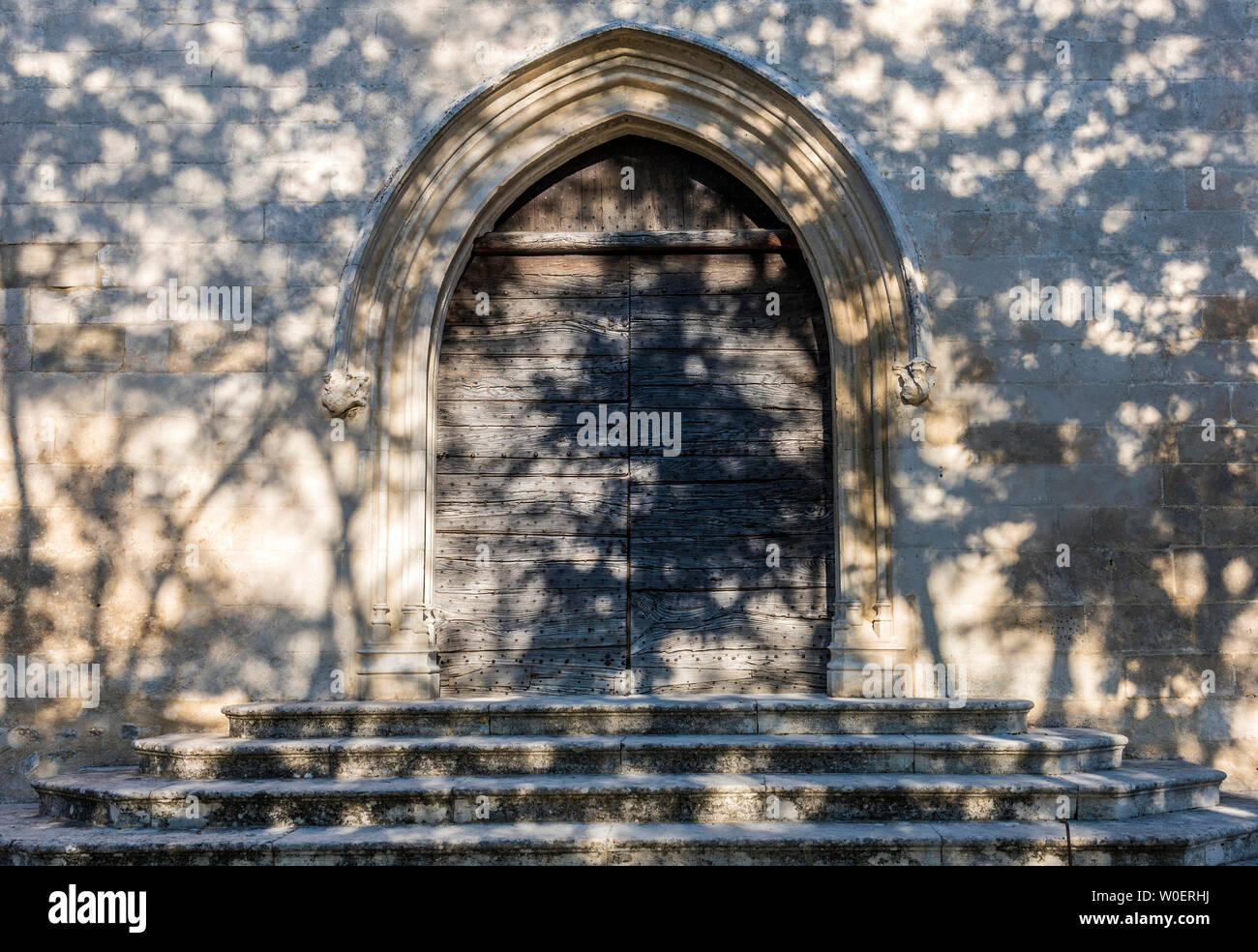 France, Lubéron, Vaucluse, Ménerbes, church Saint Luc (14th century) (Most Beautiful Village in France) Stock Photo
