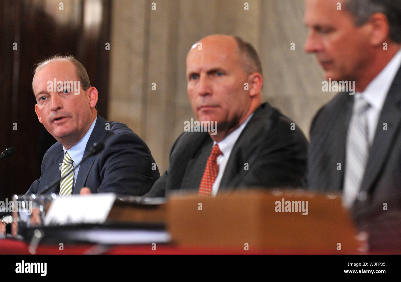 Lamar McKay (L), President and Chairman at BP America Inc., Steven Newman, President and CEO of Transocean Ltd, and Tim Probert of Halliburton, testify during a Senate Energy and Natural Resources Committee hearing on BP's Deepwater Horizon oil rig accident in the Gulf of Mexico, in Washington on May 11, 2010.   UPI/Kevin Dietsch - Stock Image
