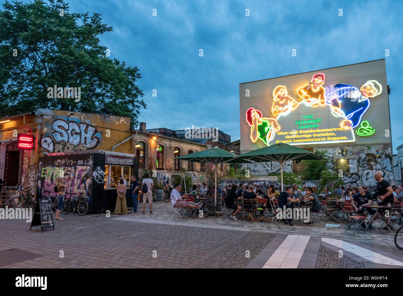 Beer garden, Karl-Liebknecht-Strasse 26, Kali, VEB Feinkost Leipzig-Cennewitz - Stock Image