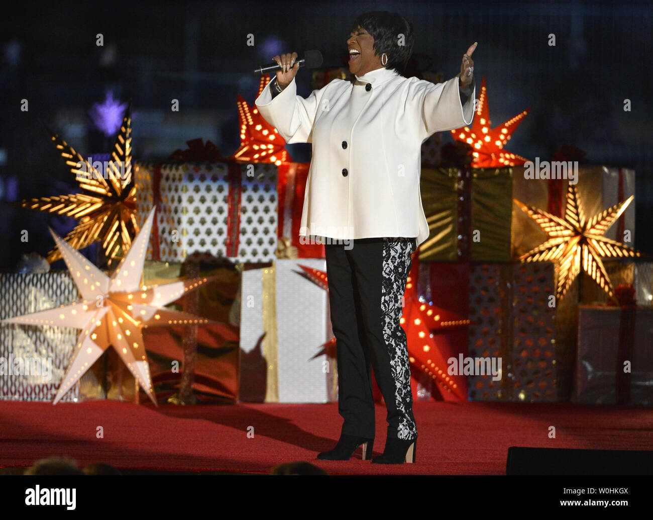 Patti Labelle This Christmas.Grammy Award Winning Singer Patti Labelle Performs On Stage