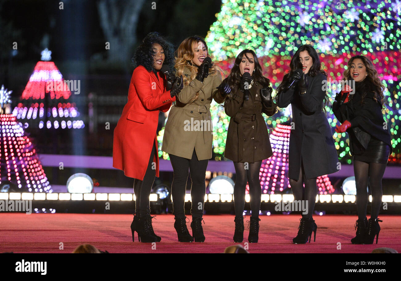 Fifth Harmony Christmas.Tv S X Factor Finalists Fifth Harmony Perform On Stage