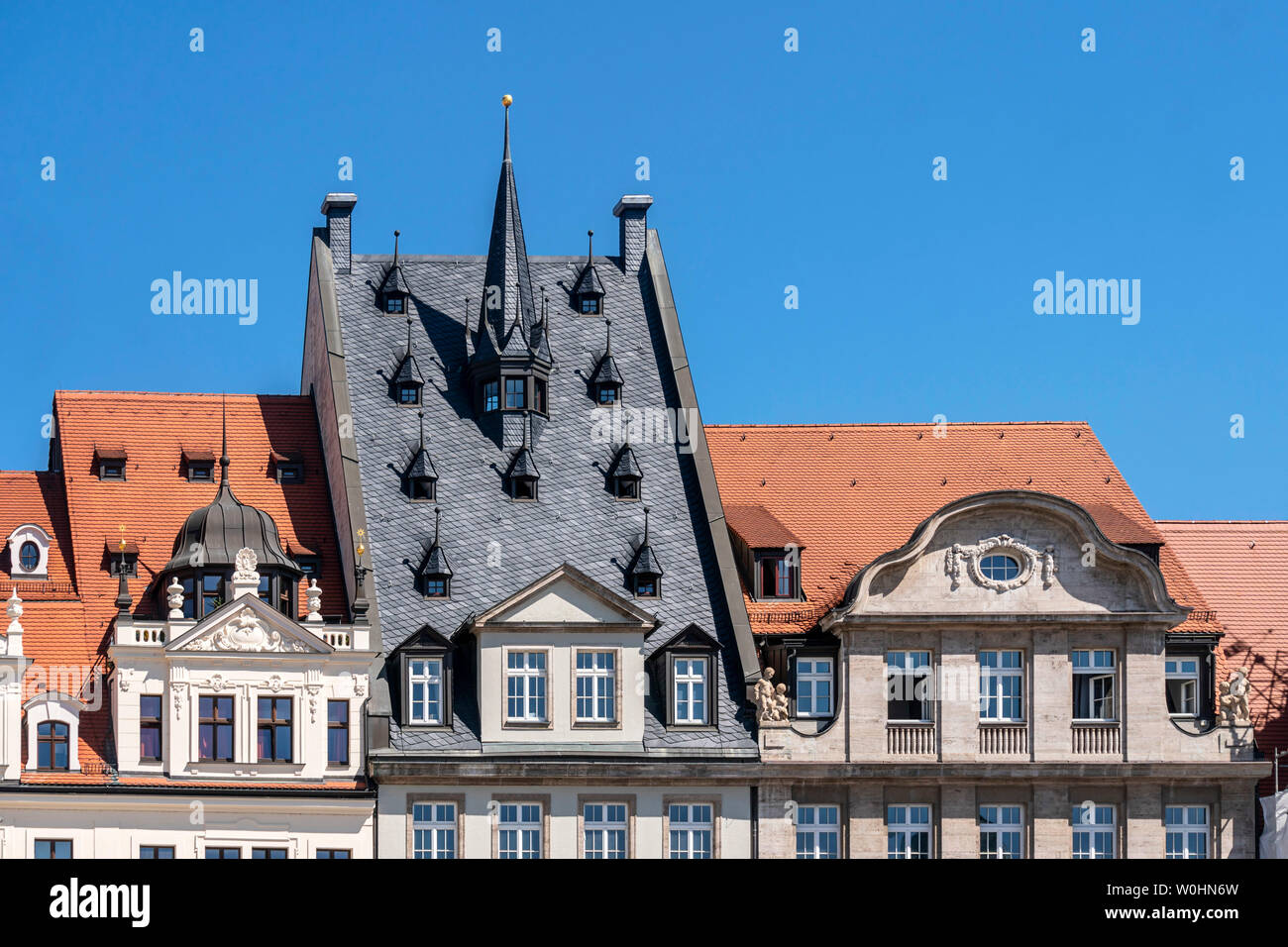 Historische Gebaeude am Marktplatz in Leipzig, Sachsen | historical buildings at market place in old city center of Leipzig, Saxony - Stock Image