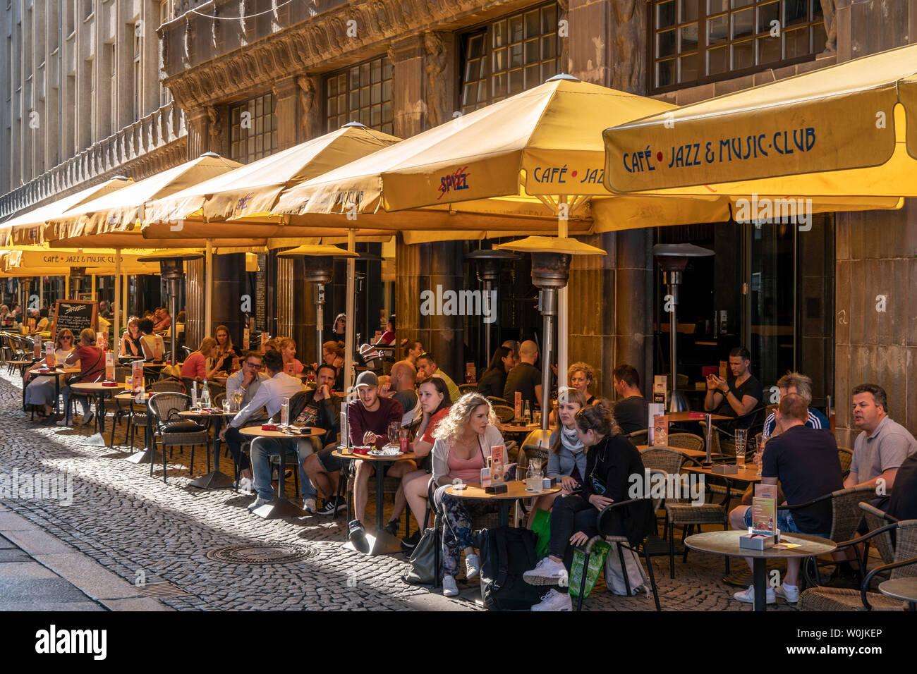 Spizz Strett Cafe Bar Restaurant Drallewatsch Leipzig Sachsen Berlin Stock Photo Alamy